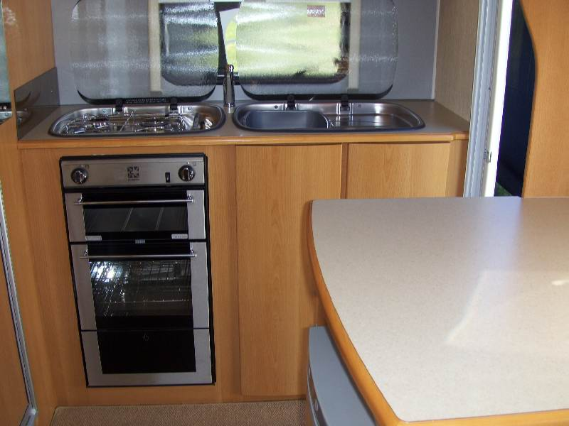 Compass Corona 2008 kitchen