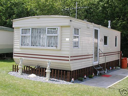 Fantastic Private Hire Caravan Holidays  Smytham Manor Near North Devon