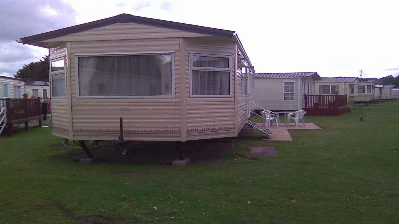 Elegant Caravan For Hire At Lydstep BeachTenby