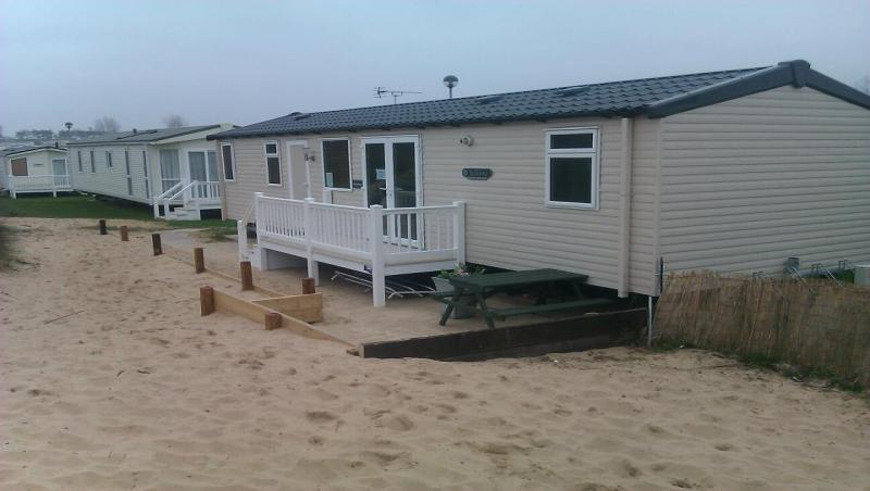 Brilliant UK Private Static Caravan Hire At Caister On Sea Great Yarmouth
